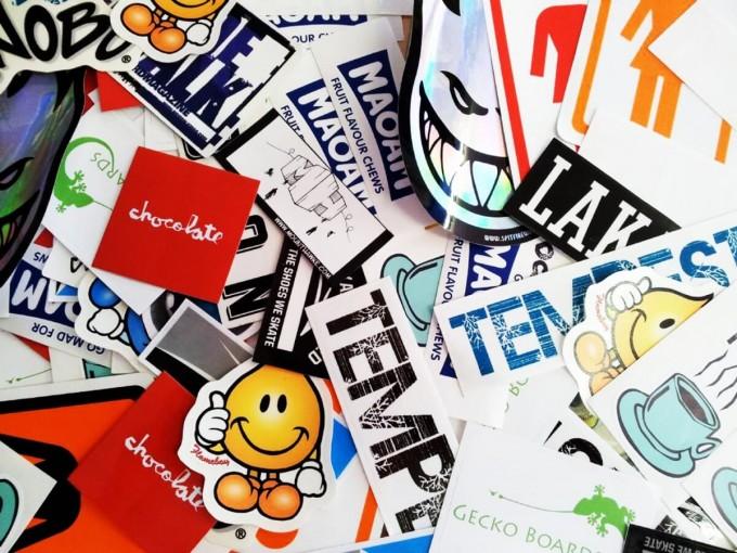 Разновидности виниловых наклеек